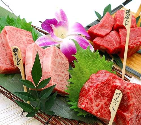"""""""料理長お任せ黒毛和牛肉5種類盛合せ"""