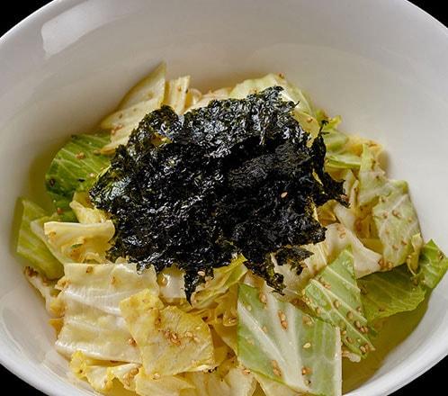 キャベツとたっぷり韓国のりのゴマ塩サラダ