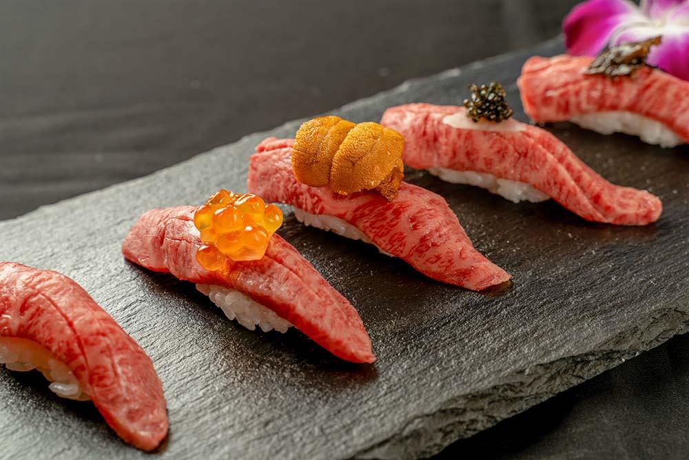 黒毛和牛炙り焼握り寿司