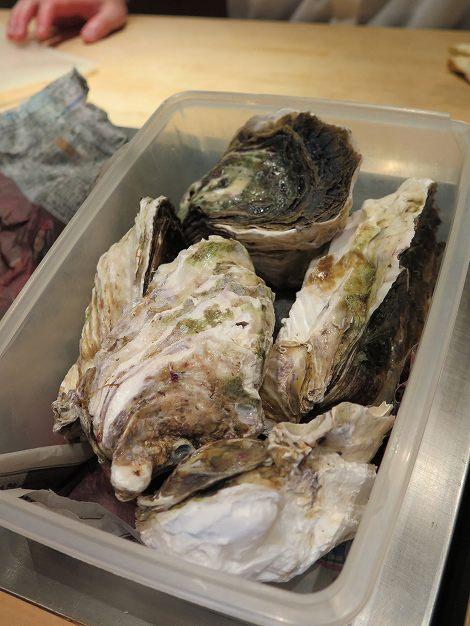 島根産の 岩牡蠣