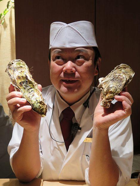 宮城県産のカキ、伊藤さんが保持